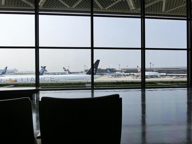 成田空港から見える飛行機