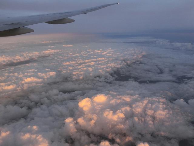 飛行機 夕焼け